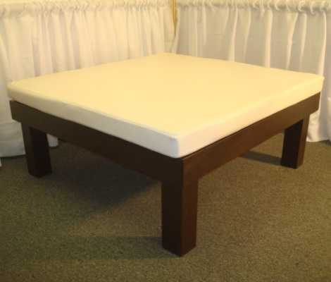 Toscana Square Bench with Ivory Cushion